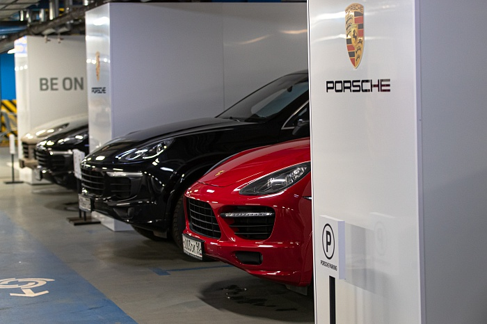 """Porsche White Side"": ""trade-in"" в стиле Порше Центра Таганка"